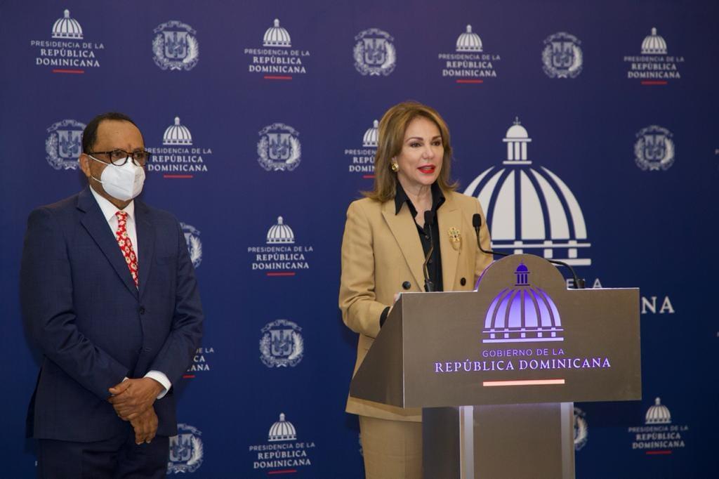 La directora de Comunicación y portavoz de la Presidencia, Milagros Germán, precisó este jueves los alcances de las medidas del toque de queda
